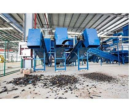 用户应该去哪个厂家选购铁销破碎机设备比较合适
